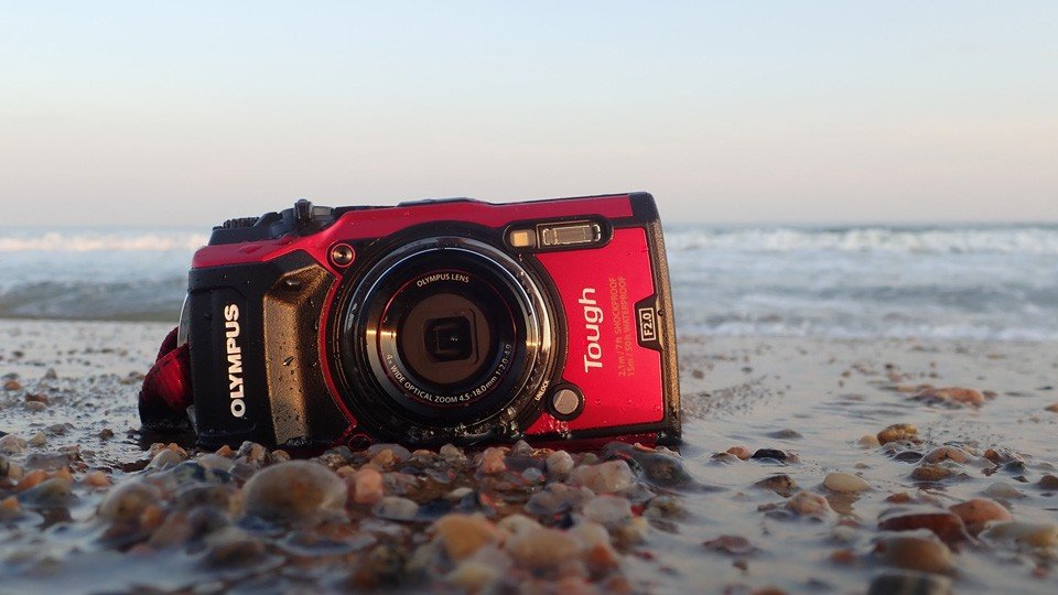 olympus tg5 on beach