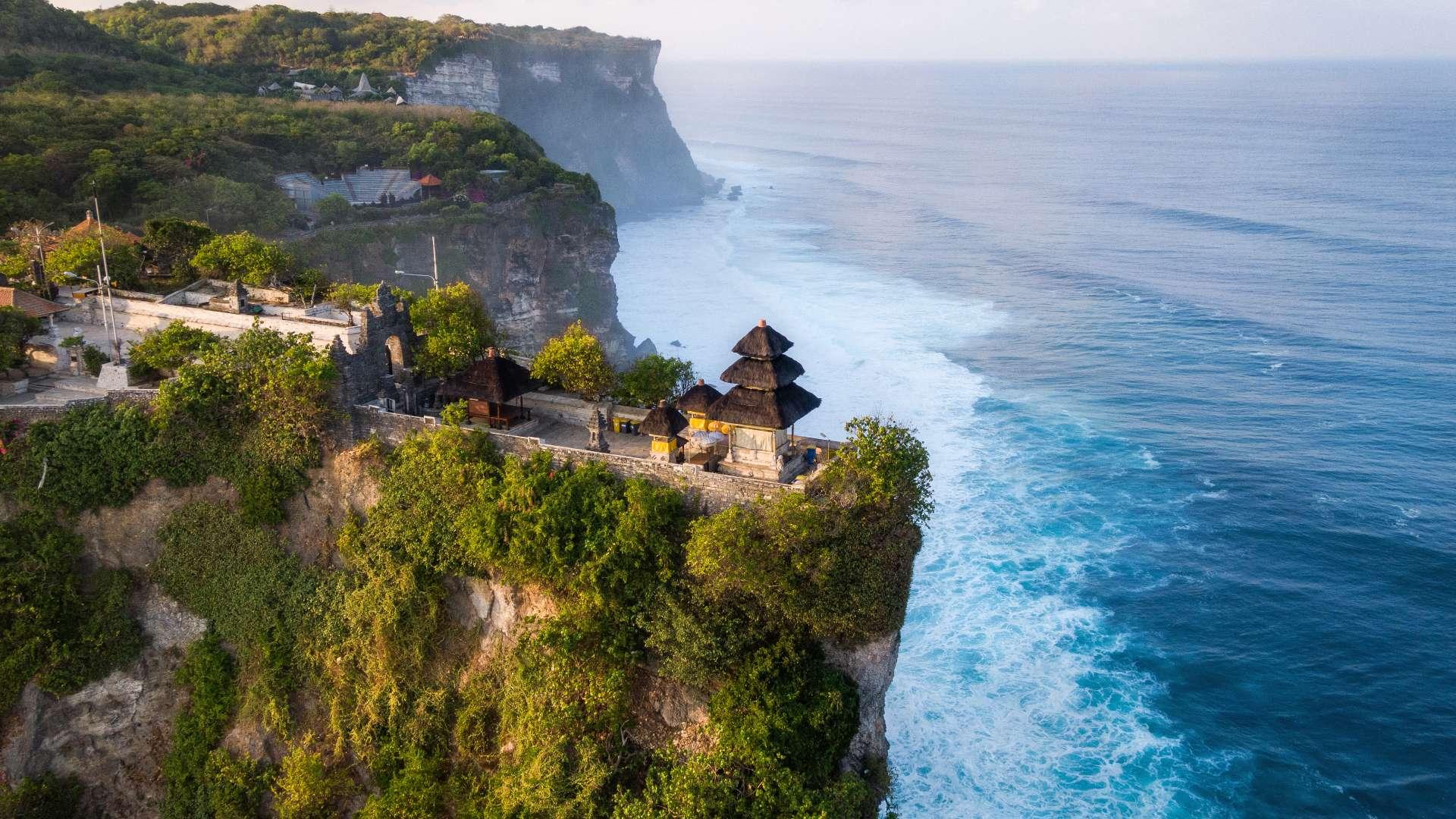 Uluwatu temple and ocean cliff