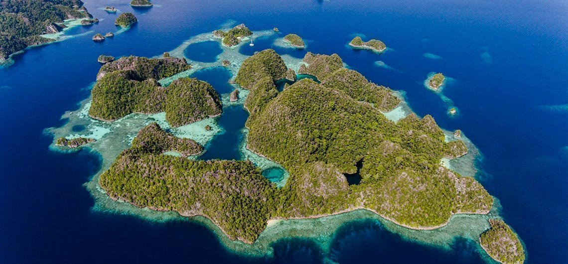 many of Indonesian islands